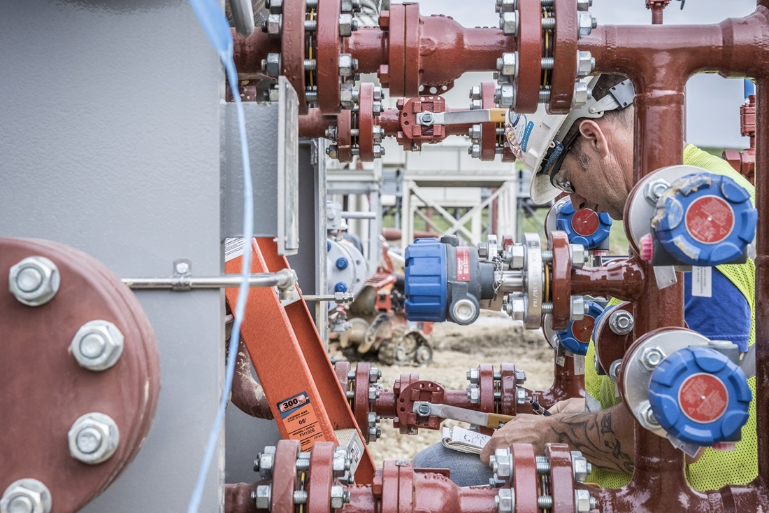 worker installing gas infrastructure